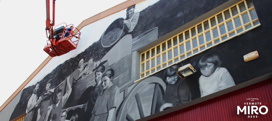 La fachada de la fábrica de Vermuts Miró acojerá un gran mural