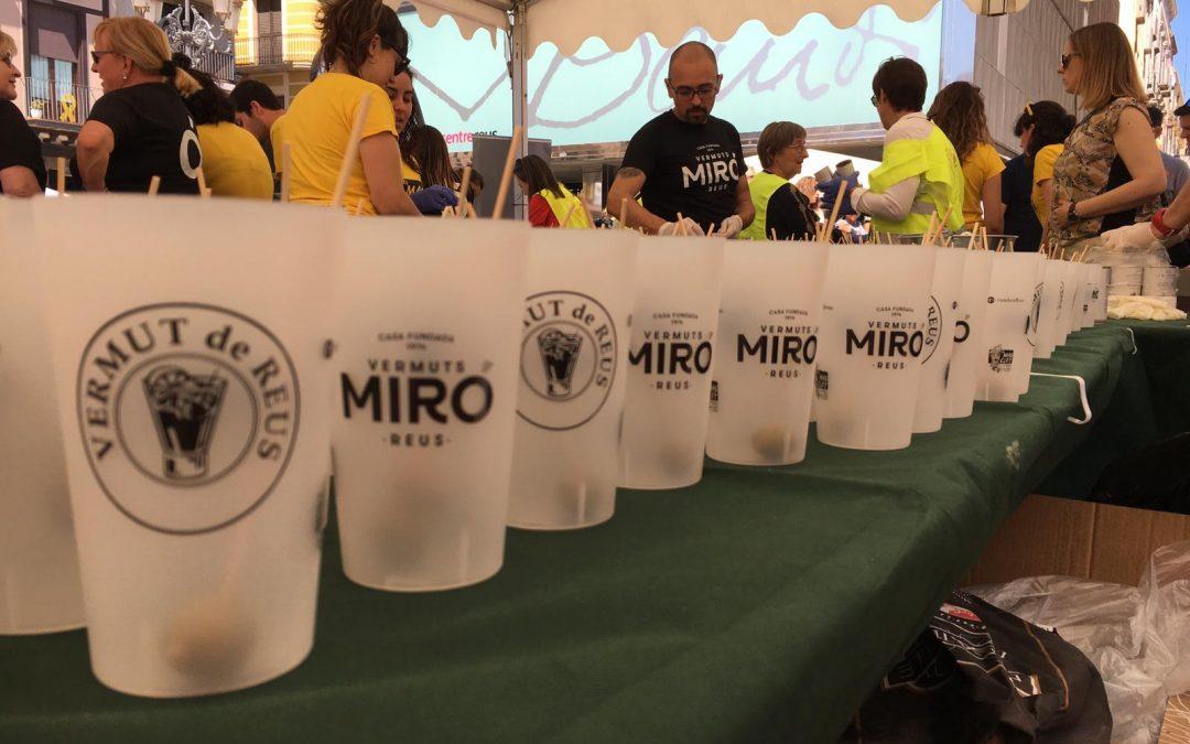 La 8ª edició de la Vermutada reparteix més de 4.500 degustacions i recapta 5.000€ destinats íntegrament a la Fundació Amics Joan Petit Nens amb Càncer