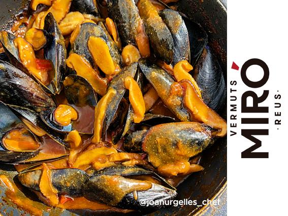 Mejillones a la marinera de Vermut Miró conshiitakes