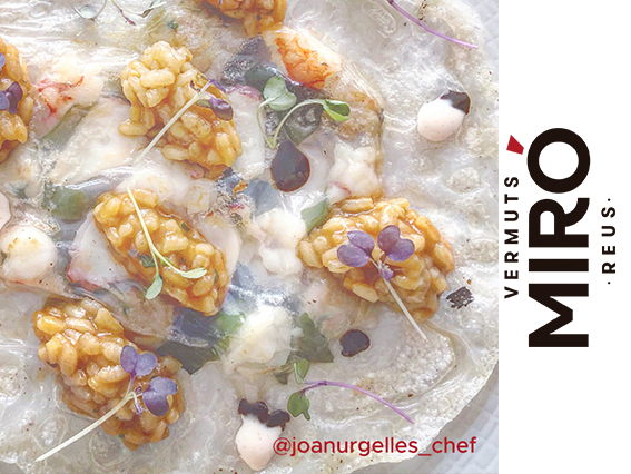 Paella thai crujiente con mayonesa de kimchi y Vermut Miró