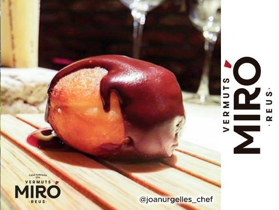 Berlina de crema de Vermuts Miró con crema de chocolate al aroma de sessam tostación
