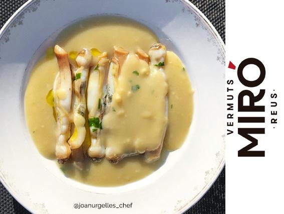 Navalles amb salsa holandesa al Vermut Miró Blanc