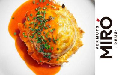 Bomba de foie, jamón ibérico de bellota y manzana confitada al Vermut Miró Reserva con salsa teriyaki